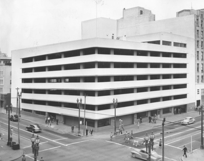The General Petroleum Corporation Parking Garage shortly after its 1949 opening. Courtesy of the Photo Collection - Los Angeles Public Library.